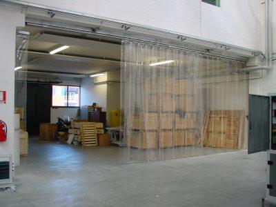 Porte a strisce in PVC su misura